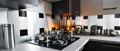 credence autocollant cuisine carrelage adhésif mural pour cuisine et salle de bain