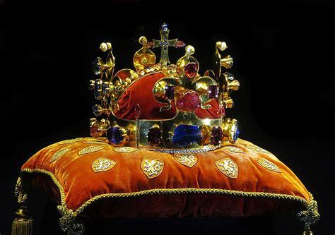 Crown of Saint Wenceslas - Wikipedia