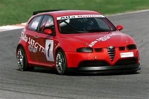 Avis Alfa Romeo 147 : photo alfa romeo 147 m diatheque ~ Medecine-chirurgie-esthetiques.com Avis de Voitures