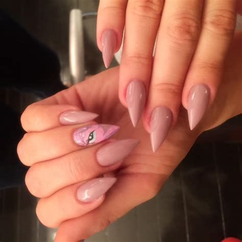 Khloe Kardashian Has My Little Pony Nails, and the Story ...