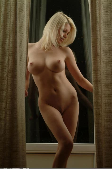 Most Perfect Naked Female Body Sex Photo