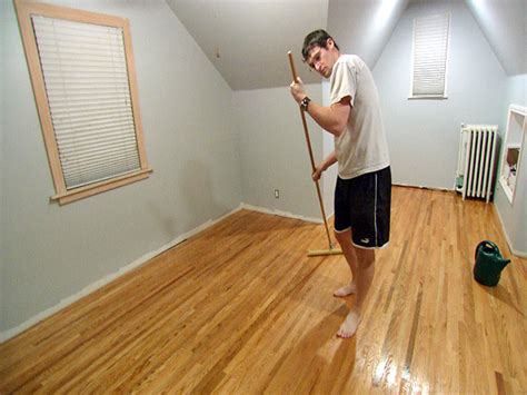 Applying Polyurethane To Hardwood Floors by 8 Expert Flooring Tips From Matthews Flooring Ideas