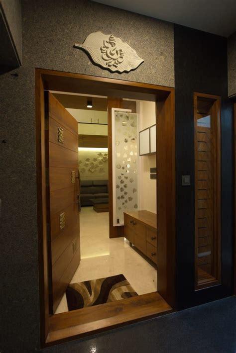 bhuvi hasta architects modern houses homify door