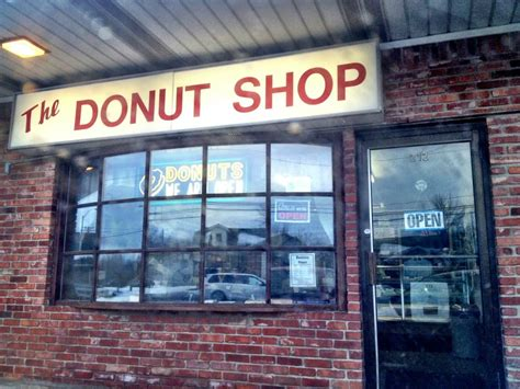 white house phone number white house donut shop 17 reviews donuts 212 e
