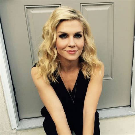 pictures  american actress rhea seehorn peanut