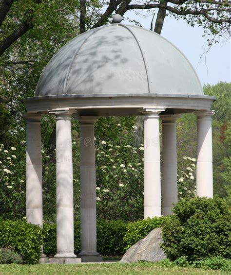 cupola a padiglione pietra padiglione della sosta immagine stock