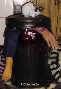 Decoration Halloween Maison : poubelle de reste humain maison hant e secret queen ~ Voncanada.com Idées de Décoration