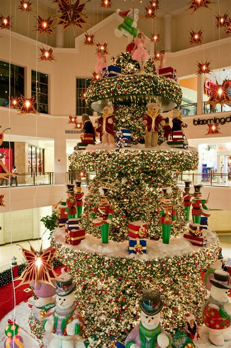 christmas decorations aventura mall  miami florida flickr