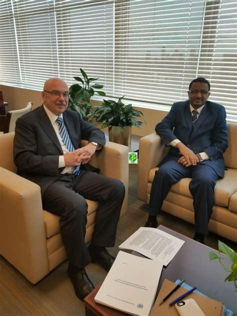 sous le bureau de la secretaire le représentant permanent de la mauritanie à l 39 onu se