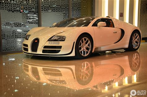 For example, one tuesday this past july there was suddenly not one but two bugatti veyron 16.4 grand sports shimmering in the sunlight by. Bugatti Veyron 16.4 Grand Sport Vitesse - 7 January 2015 - Autogespot
