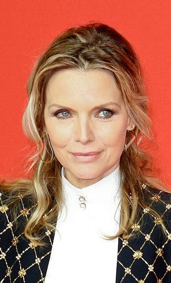 hairstyles michelle pfeiffer pinned  hairstyle