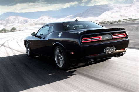 2018 Dodge Challenger Srt Rear Side View In Motion Photo 6