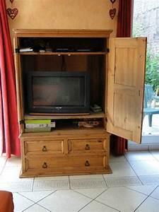 meuble tv ferme meuble tv ferm sur enperdresonlapin With meuble tv ferme avec portes encastrables