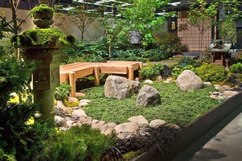 ideas  creating lovely small japanese garden