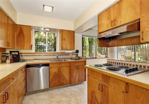 upgrading kitchen cabinets how to update your kitchen cabinets without replacing them 3089