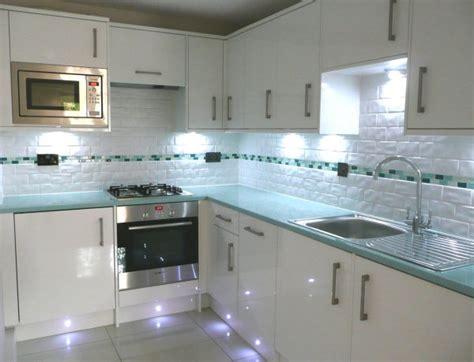 green kitchen worktop has anyone got magnet green glass effect worktops 1455