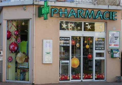 d 233 coration de noel pour vos vitrines de pharmacie 224 avignon nos realisations communication aix