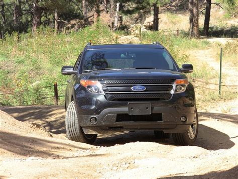 ford explorer  road amazing photo gallery