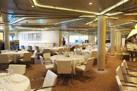 quantum   seas dynamic dining review chic