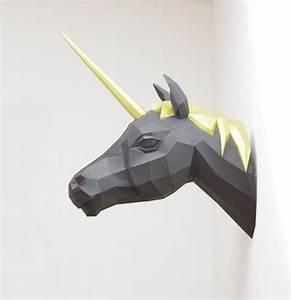 Trophée Animaux Origami : trophee design origami licorne gris blanc picslovin ~ Teatrodelosmanantiales.com Idées de Décoration