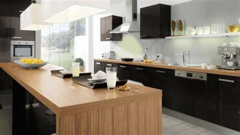 cuisine bois et noir la cuisine bois et noir c 39 est le chic sobre raffiné