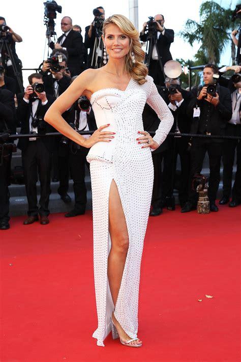 Heidi Klum Showed A Flash Of Leg In This Thigh Split Gown