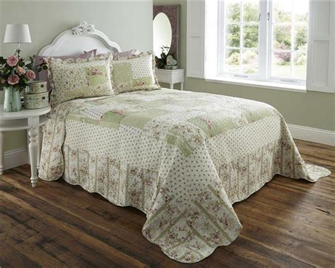 Double Bed Throw Bedspread Quilt Set & Pillow Shams