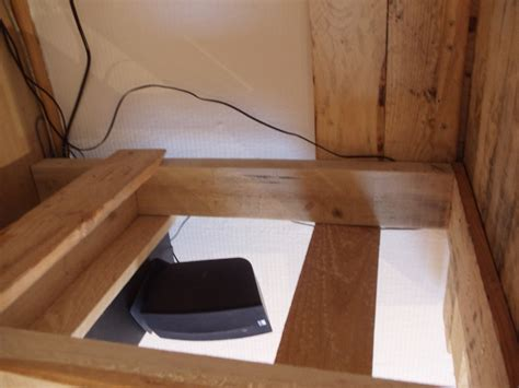 pipe sous le bureau pipe sous le bureau 28 images meuble d appoint meubles