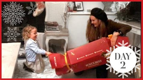the biggest christmas cracker vlogmas 2 youtube