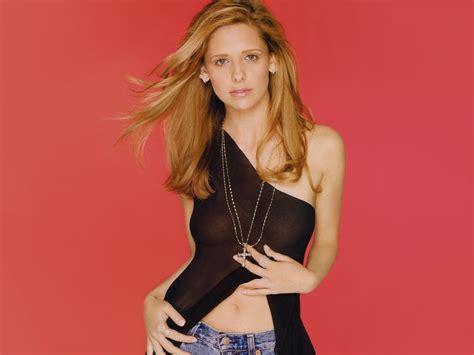 Sarah Michelle Gellar Profile  Photo  Bio  Bra Size   Hot