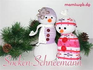 Aus Socken Basteln : schneemann aus einer socke basteln ~ Watch28wear.com Haus und Dekorationen