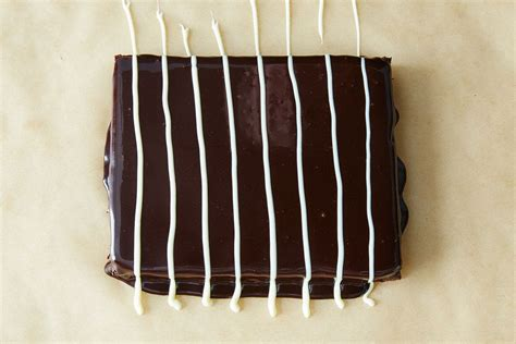 cuisine parall鑞e how to marble icing on a cake