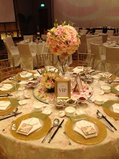 Image result for pink and gold table decorations Gold