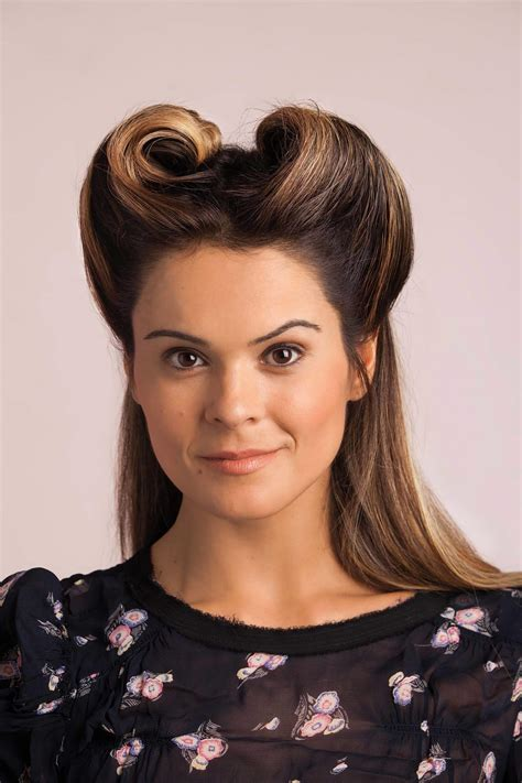 Bobby Pin Hairstyles: Cute and Stylish Looks with this
