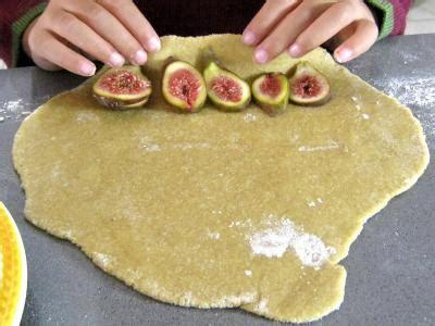 cuisiner des figues fraiches semoule aux figues fraîches supertoinette la