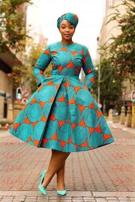 pin de s 237 lvia joaquim em roupa de capulana roupas africanas vestidos afros e roupas afros