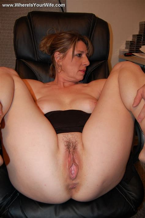 Amateur Milf No Panties