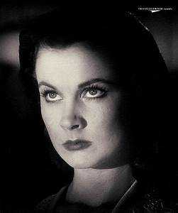 Vivian Leigh (1913-1967) Laurence Olivier (1907-1989) on ...