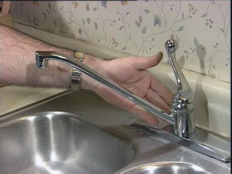 how to fix a dripping kitchen sink faucet how to repairs how to repair leaking kitchen faucet
