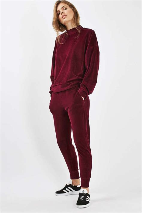 Best 25+ Velvet tracksuit ideas on Pinterest | Siangie twins Squad goals and Jude demorest husband