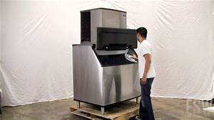 Manitowoc Full Size Cube Ice Machine W   Ice Bin