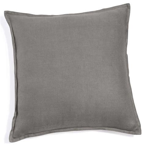 coussin de canapé 60 x 60 coussin en lavé gris 60 x 60 cm maisons du monde