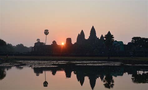 5 Majestic Temples For Breathtaking Sunrise And Sunset