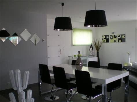 decoration salle a manger noir et blanc