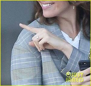 Mandy Moore Shows Off Her Engagement Ring (Photos): Photo ...