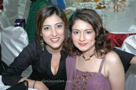indian hot dating night club pub girls aunties boobs