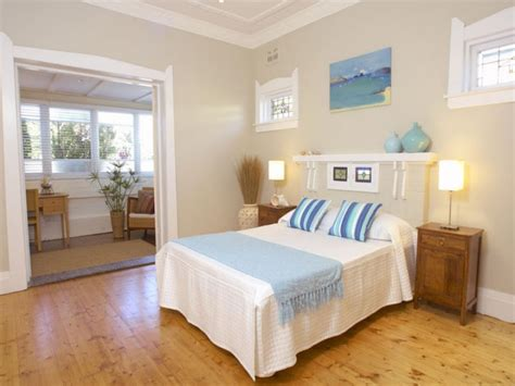 blue background bedrooms cream bedroom decorating ideas