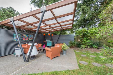 homes with 2 master bedrooms tammy sells midcentury house to travel america by cer