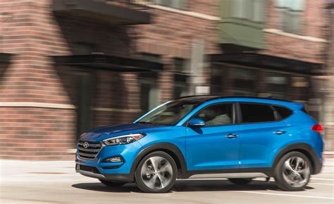 hyundai tucson 2018 kaufen 2018 hyundai tucson safety and driver assistance review car and driver