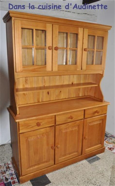 meuble haut cuisine comment relooker un vieux meuble de cuisine en pin